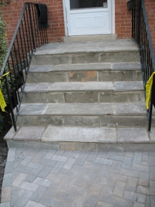 Front-of-House-Flagstone-over-concrete-stoop-small
